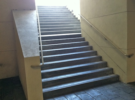 outdoor-staircase-burbank