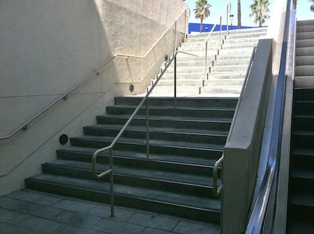 outdoor-stairway-burbank