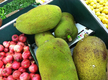 whole-fresh-jackfruit