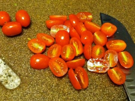 sliced-cherry-tomatoes