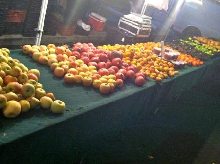 fruit-at-evening-farmers-market