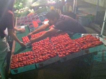 strawberries-at-evening-farmers-market