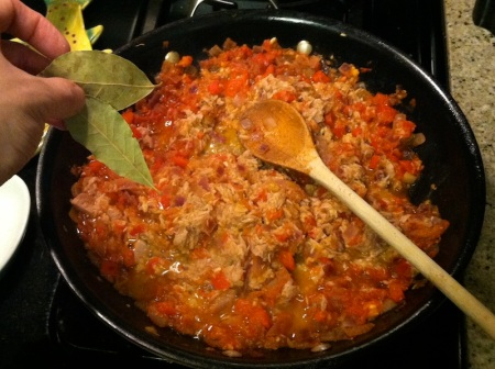 bay-leaves-skillet-vegetables