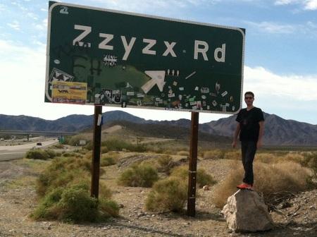 David-Zzyzx-Sign-Interstate-15