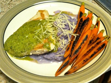 plate-tuna-steak-purple-cauliflower-mash-carrots-