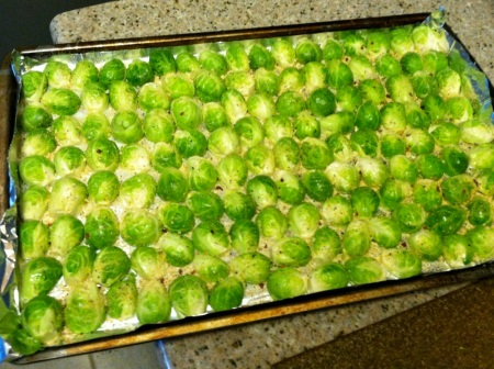 raw-brussels-sprouts-on-tray