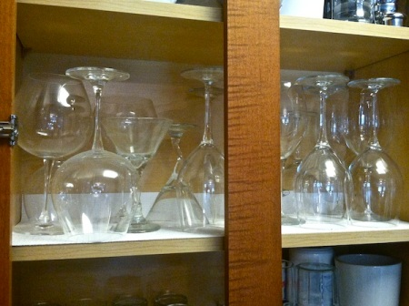 Kitchen-cabinet-with-wine-glasses