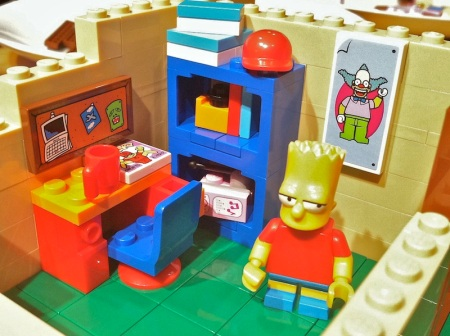 Simpsons-Lego-House-Bart-Bedroom