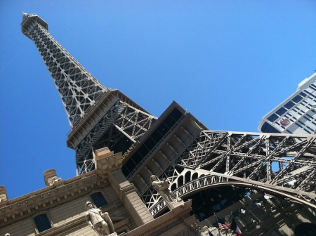 eiffel-tower-paris-las-vegas