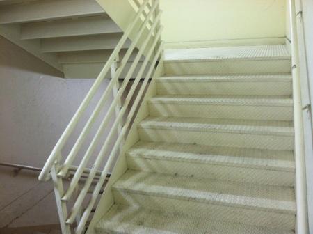 paris-las-vegas-stairwell