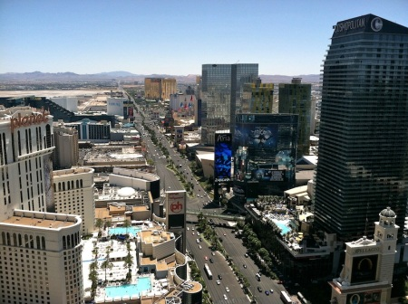 view-paris-las-vegas-eiffel-tower-south-strip