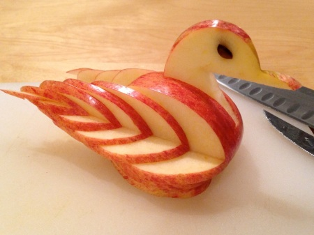 apple-carved-into-swan