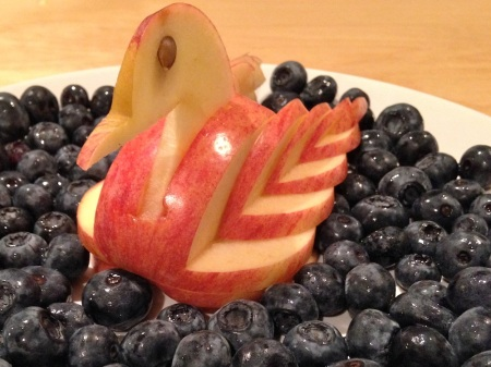 apple-swan-blueberry-lake