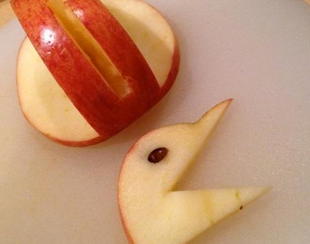 apple-swan-head