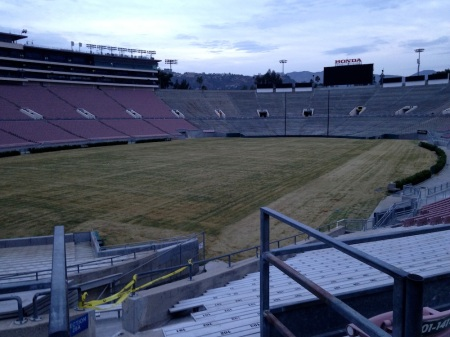 Empty-rose-bowl-stadium