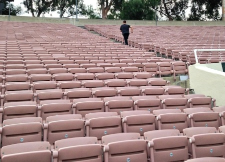 running-up-aisle-rose-bowl