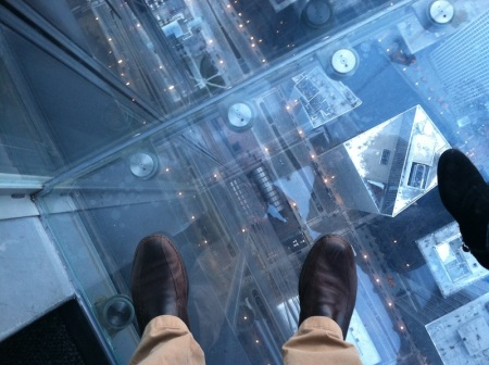 Willis-Tower-Skydeck-Looking-Down
