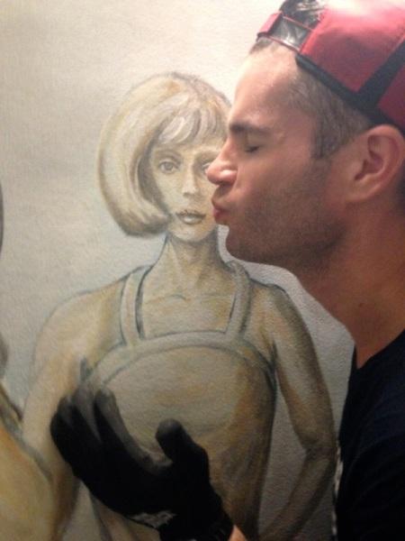 david-mural-kiss-wells-fargo-center