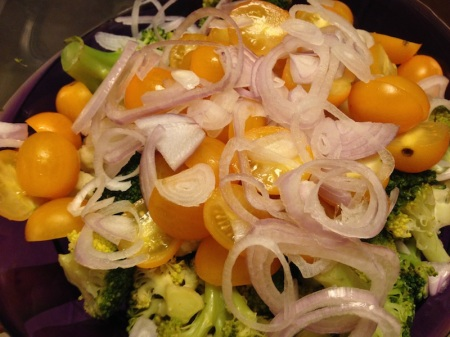 Sliced-Shallot-on-Salad