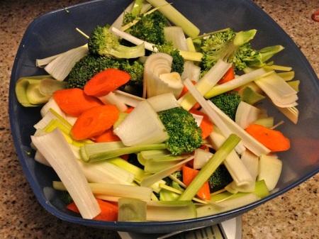 Assorted-Raw-Veggies-Chopped