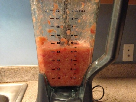 pureed-tomatoes-in-blender
