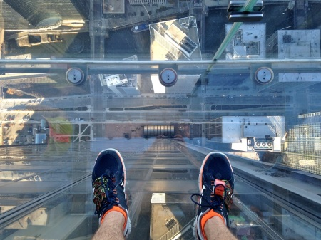 Looking-Down-Skydeck-Ledge