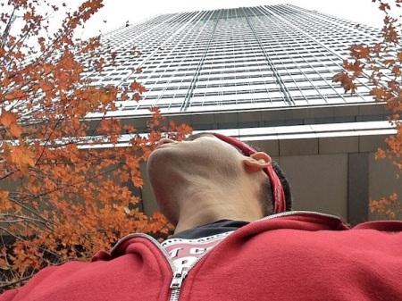 Looking-Up-300-North-LaSalle