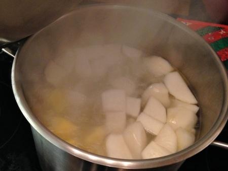 boiling-turnips-rutabagas