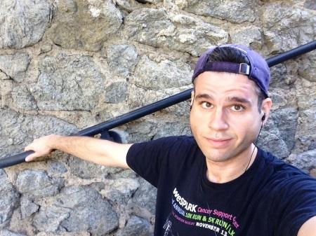 david-selfie-stone-wall