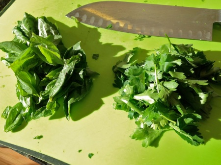 fresh-basil-parsley-leaves