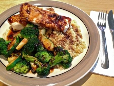 hake-glaze-couscous-broccoli-zucchini-plate