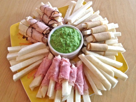 jicama-platter-with-minty-pea-dip