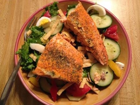 salmon-on-top-of-salad