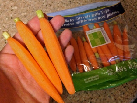 baby-carrots-with-tops