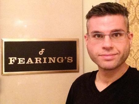 david-fearings-sign