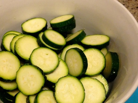 sliced-zucchini-in-bowl