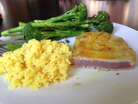 tuna-steak-broccoli-rabe-rice