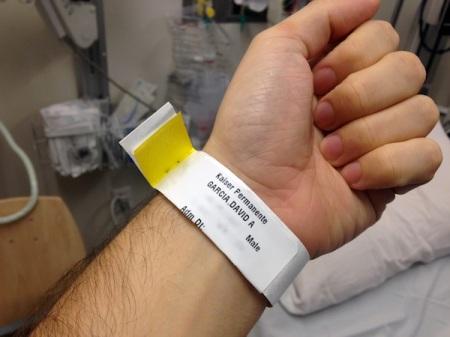 hospital-wrist-band