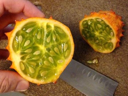 horned-melon-cut-in-half