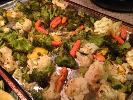 roasted-vegetables-pan-carrots-broccoli-cauliflower-yellow-carrots