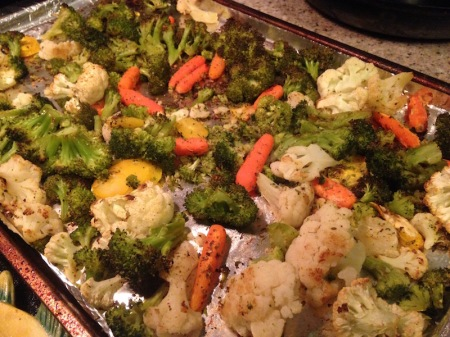 roasted-vegetables-pan-carrots-broccoli-cauliflower-yellow-carrots