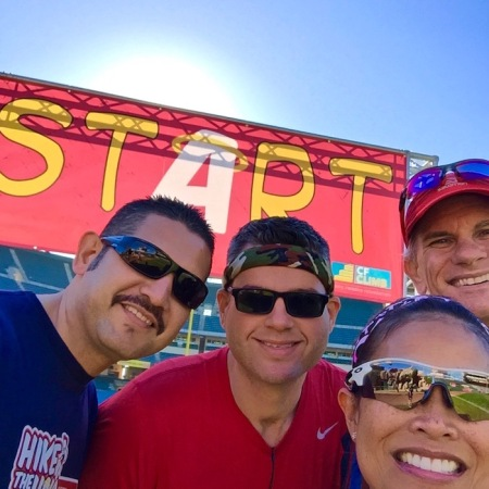 esteban-david-madeleine-jeff-start-line-hike-the-halo