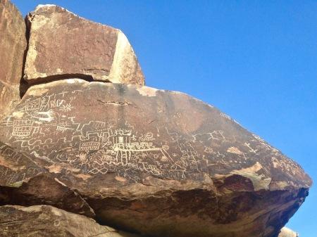petroglyphs-rock-grapevine-canyon-nevada