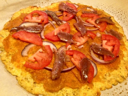 cauliflower-pizza-with-tomatoes-onion-anchovy