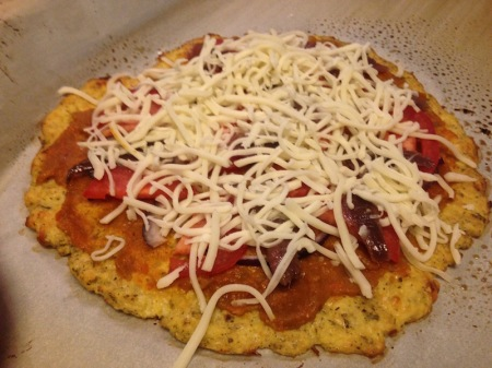 unbaked-cauliflower-pizza-crust-with-toppings