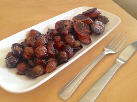 balsamic-molasses-glazed-pearl-onions-sausage