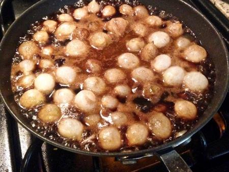 pearl-onions-skillet-glazing-liquid