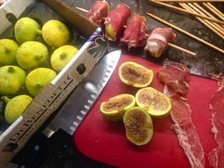 fresh-calimyrna-figs-proscuitto-skewers