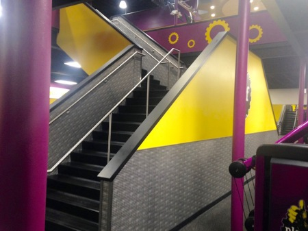 planet-fitness-stairway