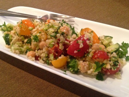 riced-cauliflower-salad-plate